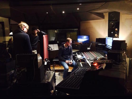 IDENTIKIT Hit The Studio post image